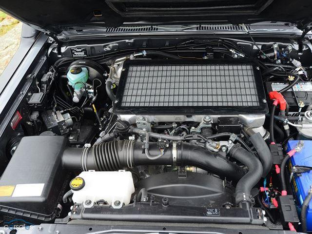 Шестиколесный Toyota Land Cruiser GXL 6x6