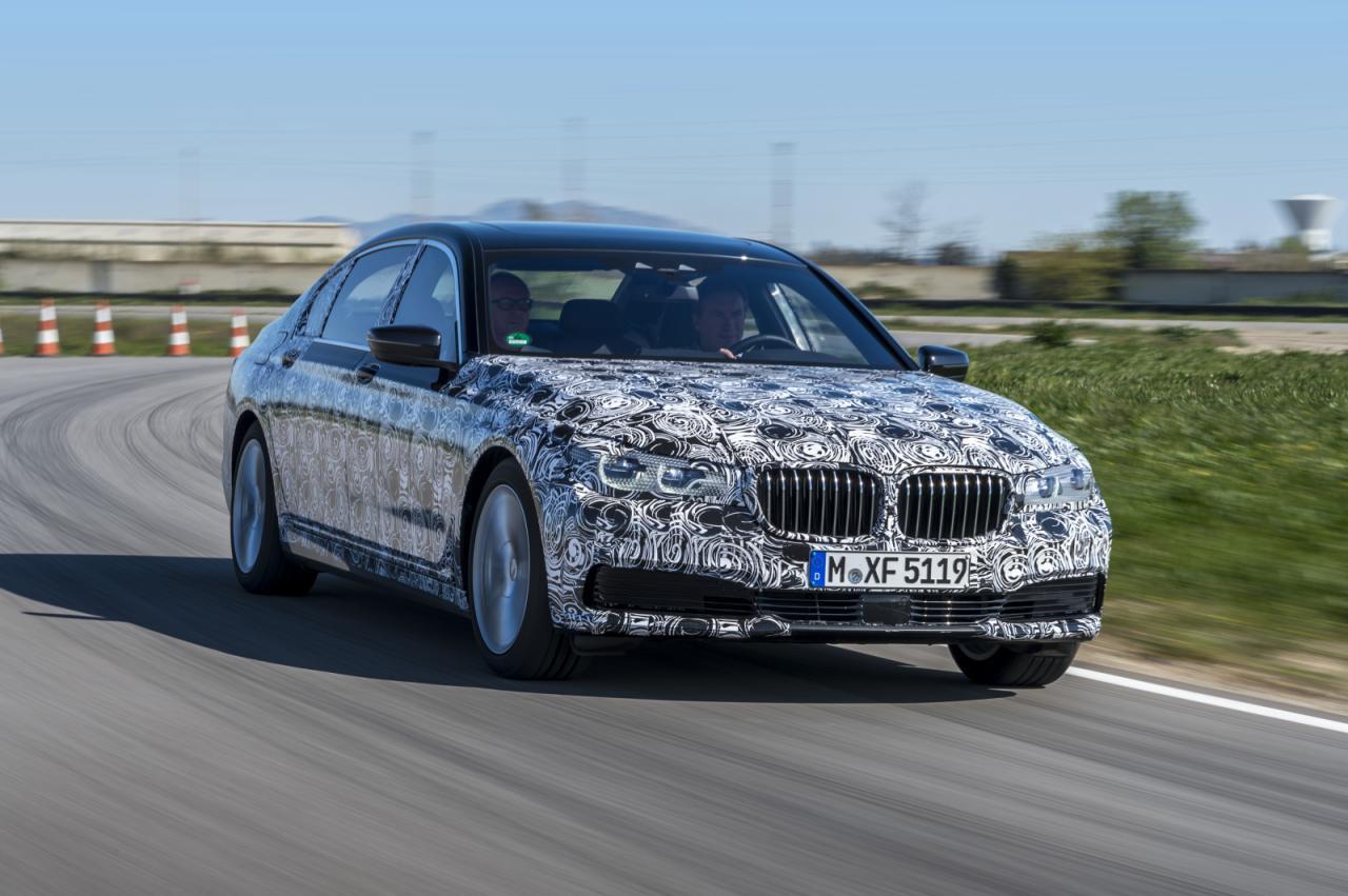 BMW 7-Series 2016 первые официальные фото тестового прототипа
