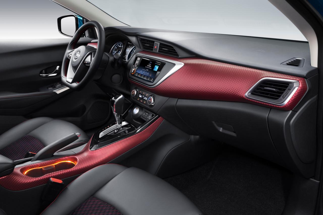 Nissan Lannia 2015