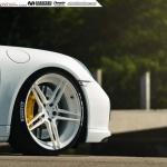 Porsche 911 (991) Turbo S на белых колесах ADV.1