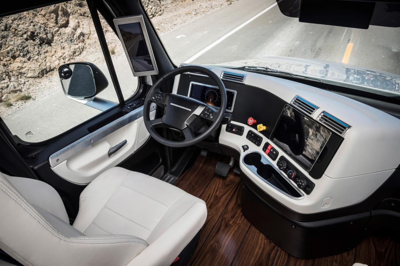 freightliner-inspiration-truck-19