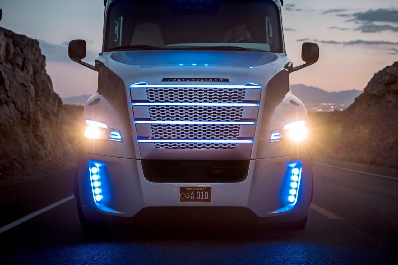freightliner-inspiration-truck-7