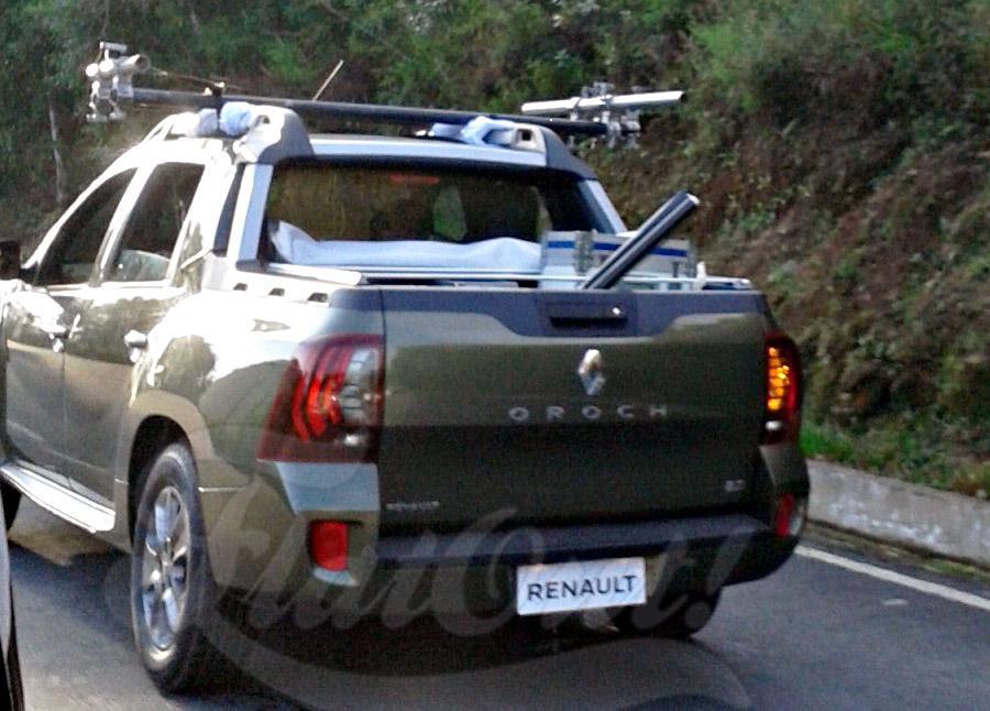 Renault Oroch пикап с двойной кабиной шпионское фото