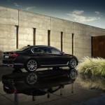 BMW 7-Series 2016 brown/коричневый