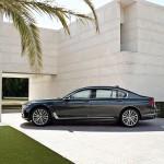 BMW 7-Series 2016 black/черный сбоку / side view