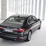 BMW 7-Series 2016 black/черный сзади сверху / top rear view