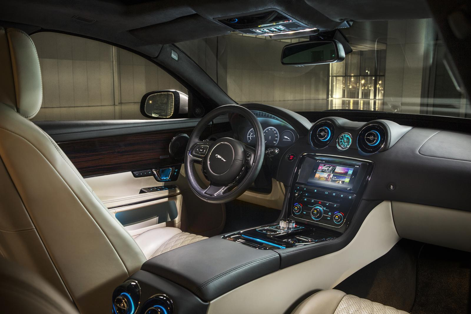 Jaguar XJ 2016 interior dashboard / интерьер центральная панель