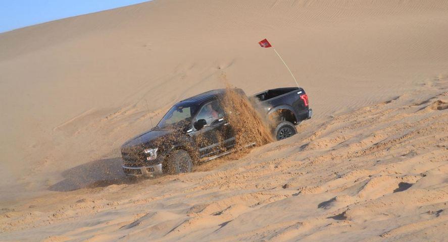 прототип Ford F-150 Raptor 2017 - испытания в пустыне