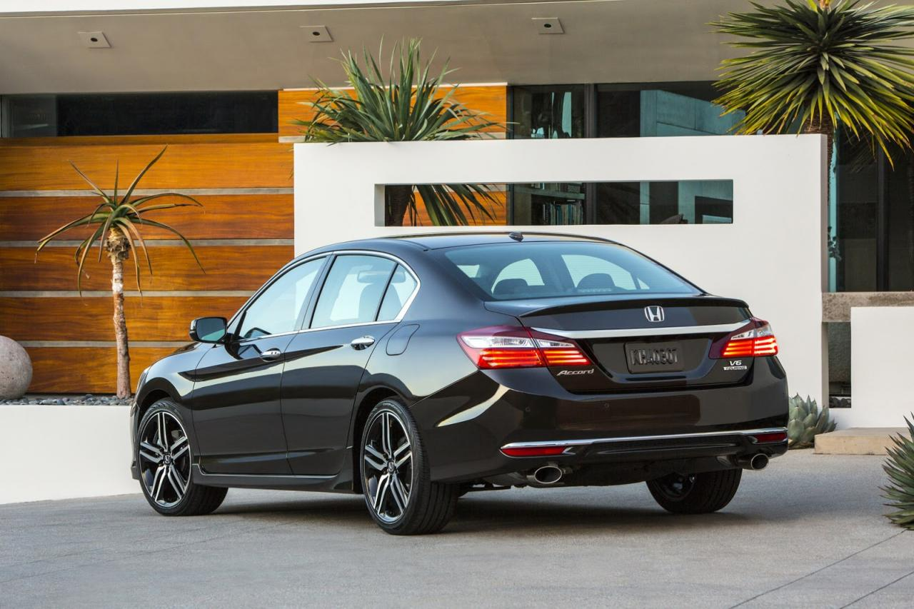 honda-accord-2016-official-photo-9