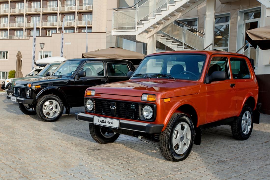 Lada 4x4 Elbrus Edition - красный, черный