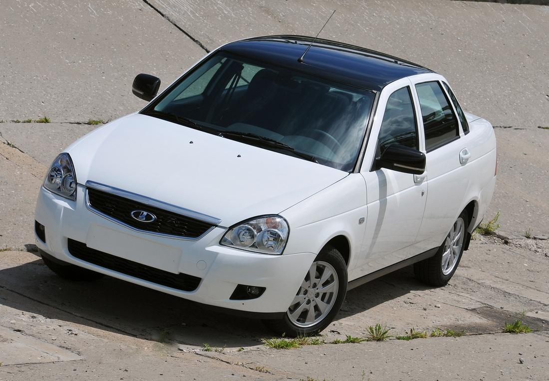 Lada Priora новая спецверсия - двухцветная покраска - белый кузов, черная крыша