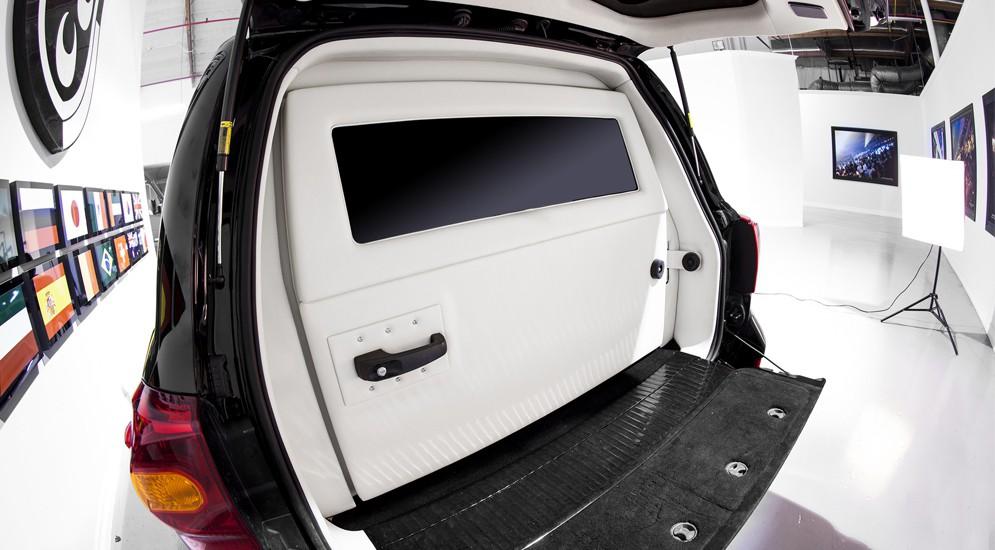 Toyota Land Cruiser 200 тюнинг - бронированная роскошь класса B6 от Lexani Motors