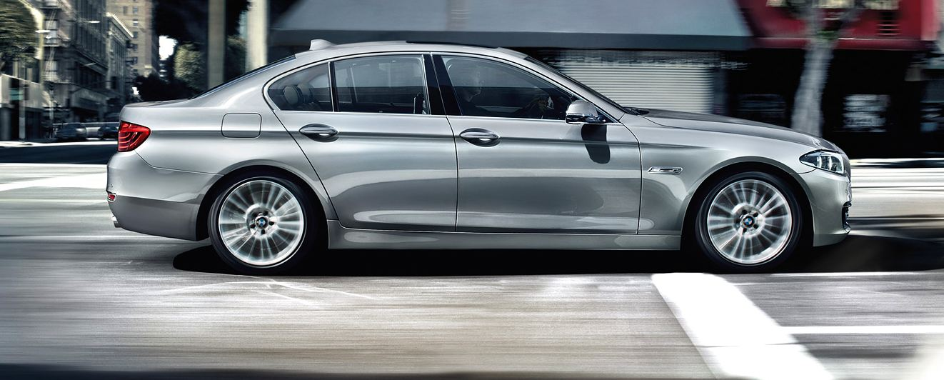 BMW 5-Series 2015 side
