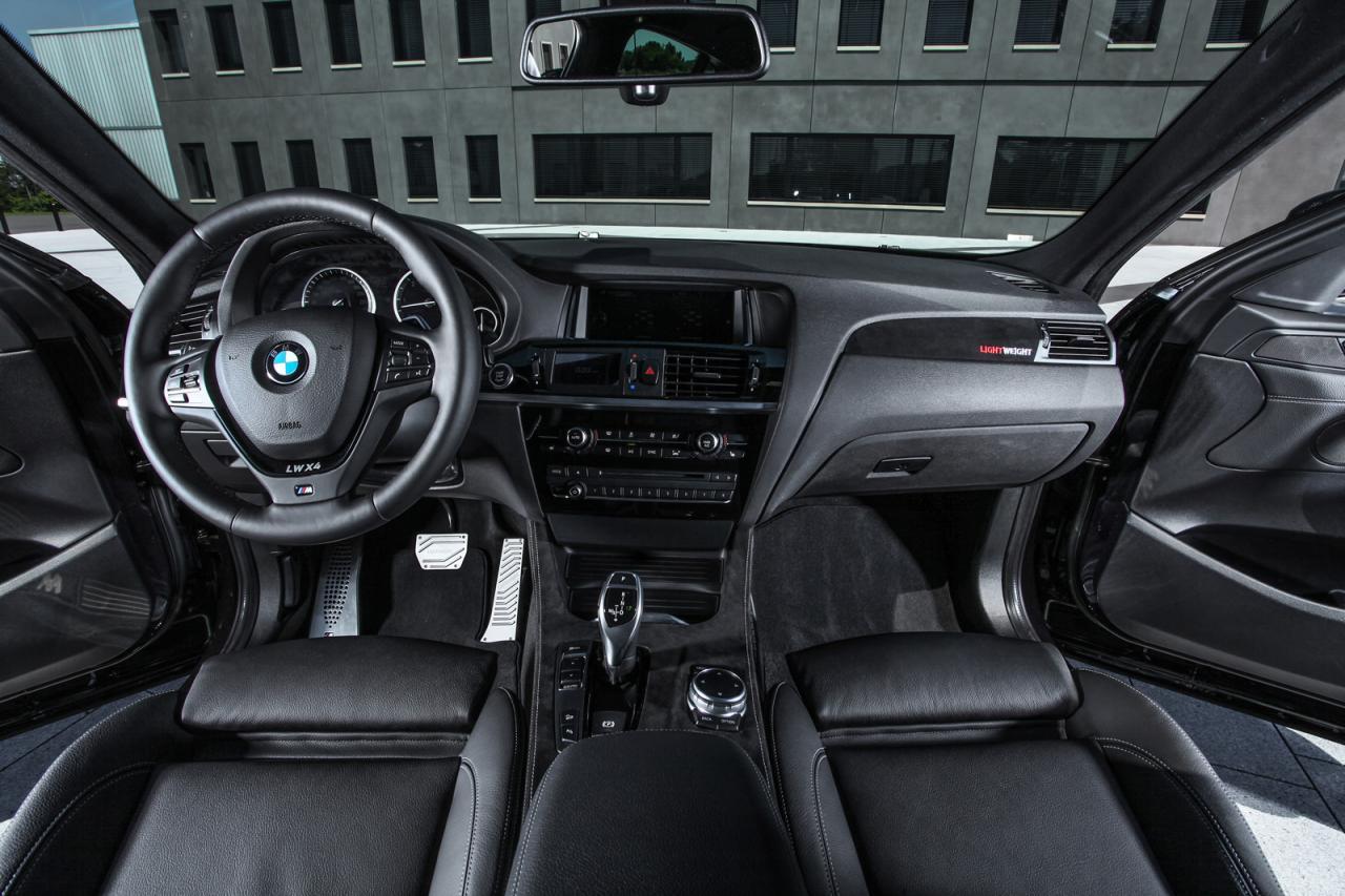 BMW X4 xDrive35d tuning / тюнинг Lightweight - interior dashboard, steering wheel