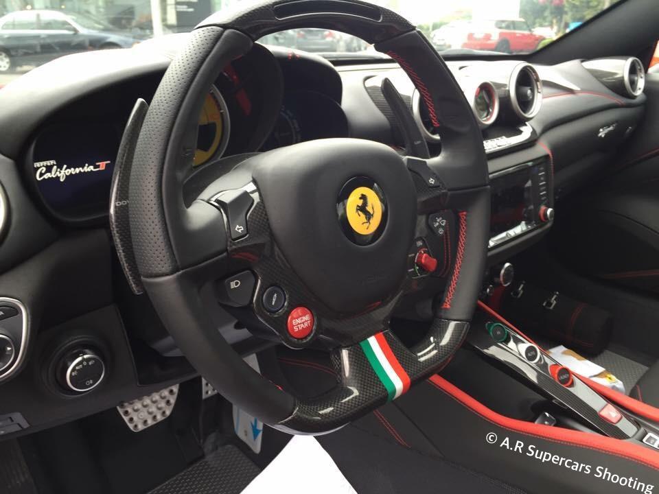 Ferrari California T Vettel Edition от Tailor Made интерьер