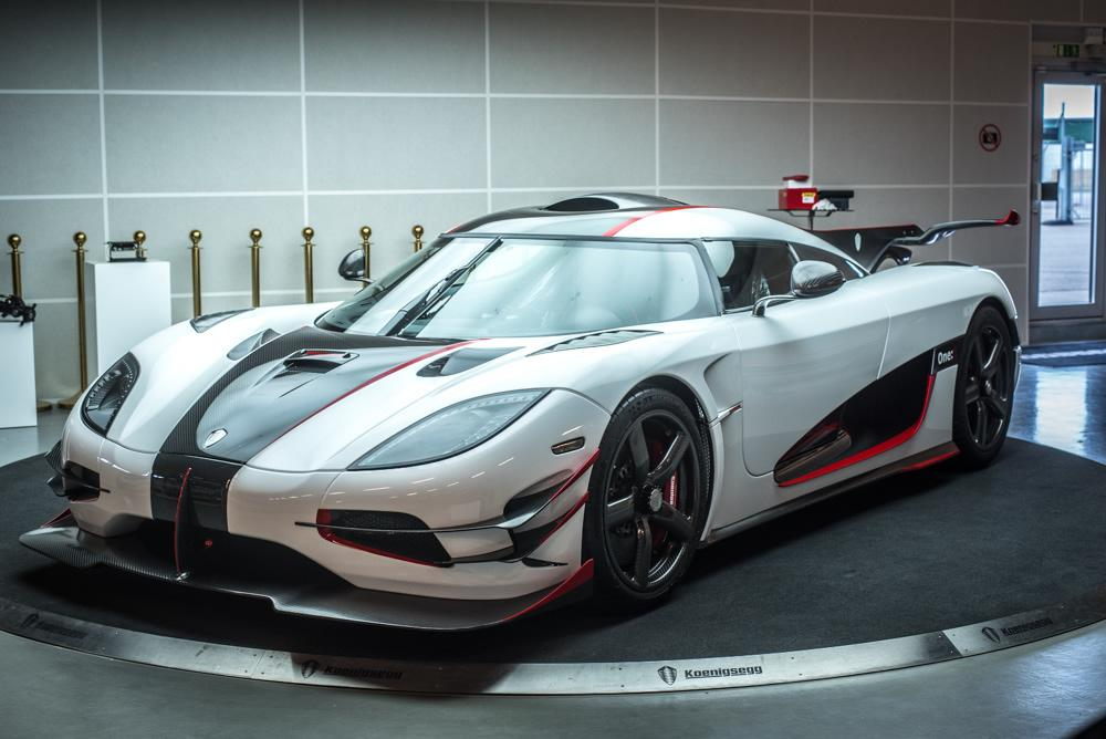 Koenigsegg One:1 front side  / спереди сбоку