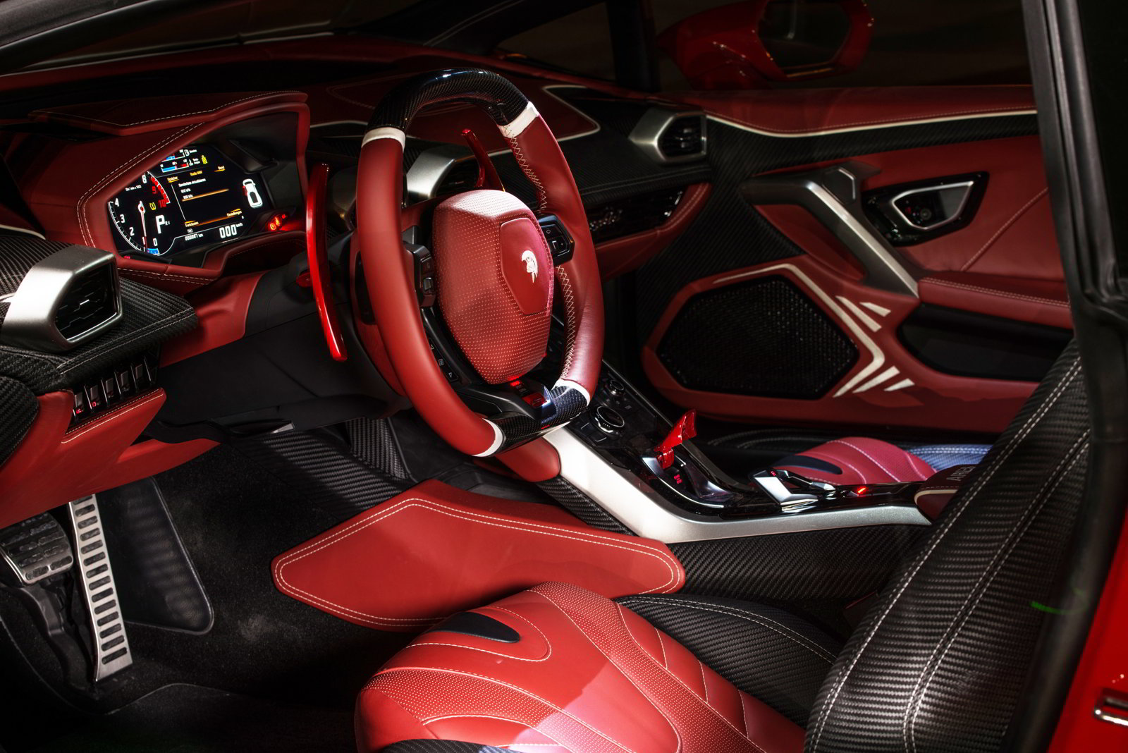 Lamborghini Huracan tuning / тюнинг Ares Performance - Design | interior steering wheel + dashboard