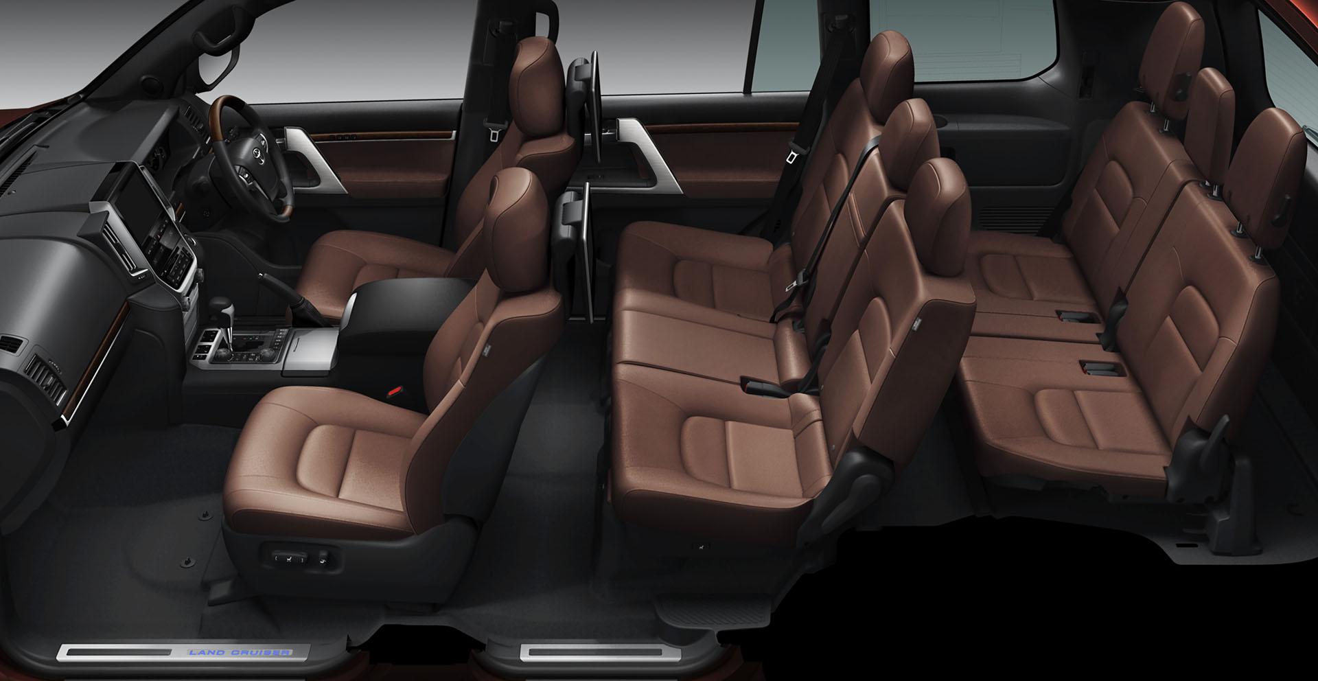 Toyota Land Cruiser 2016 interior - 7 seats