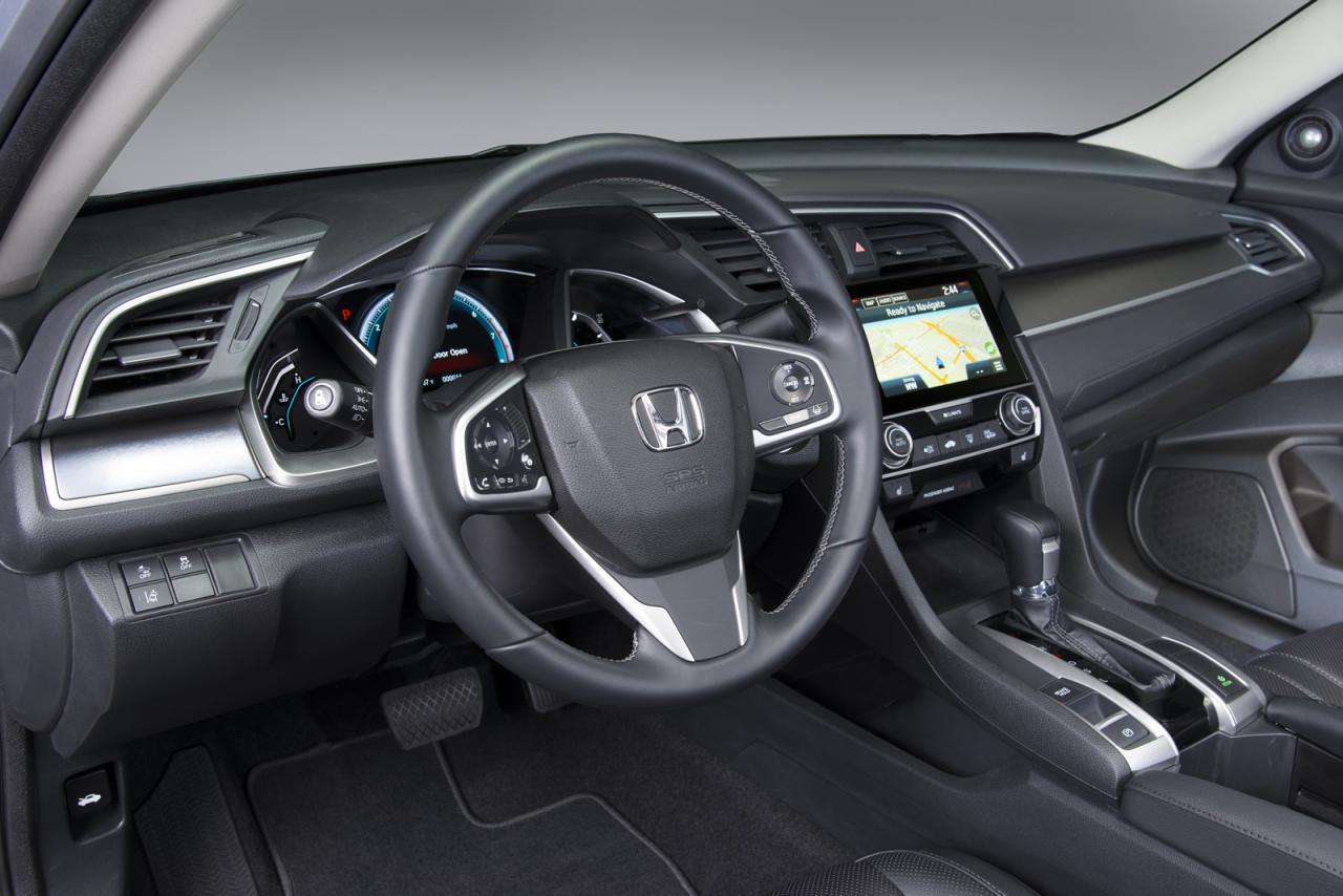 Honda Civic 2016 американская версия седана - фото интерьера