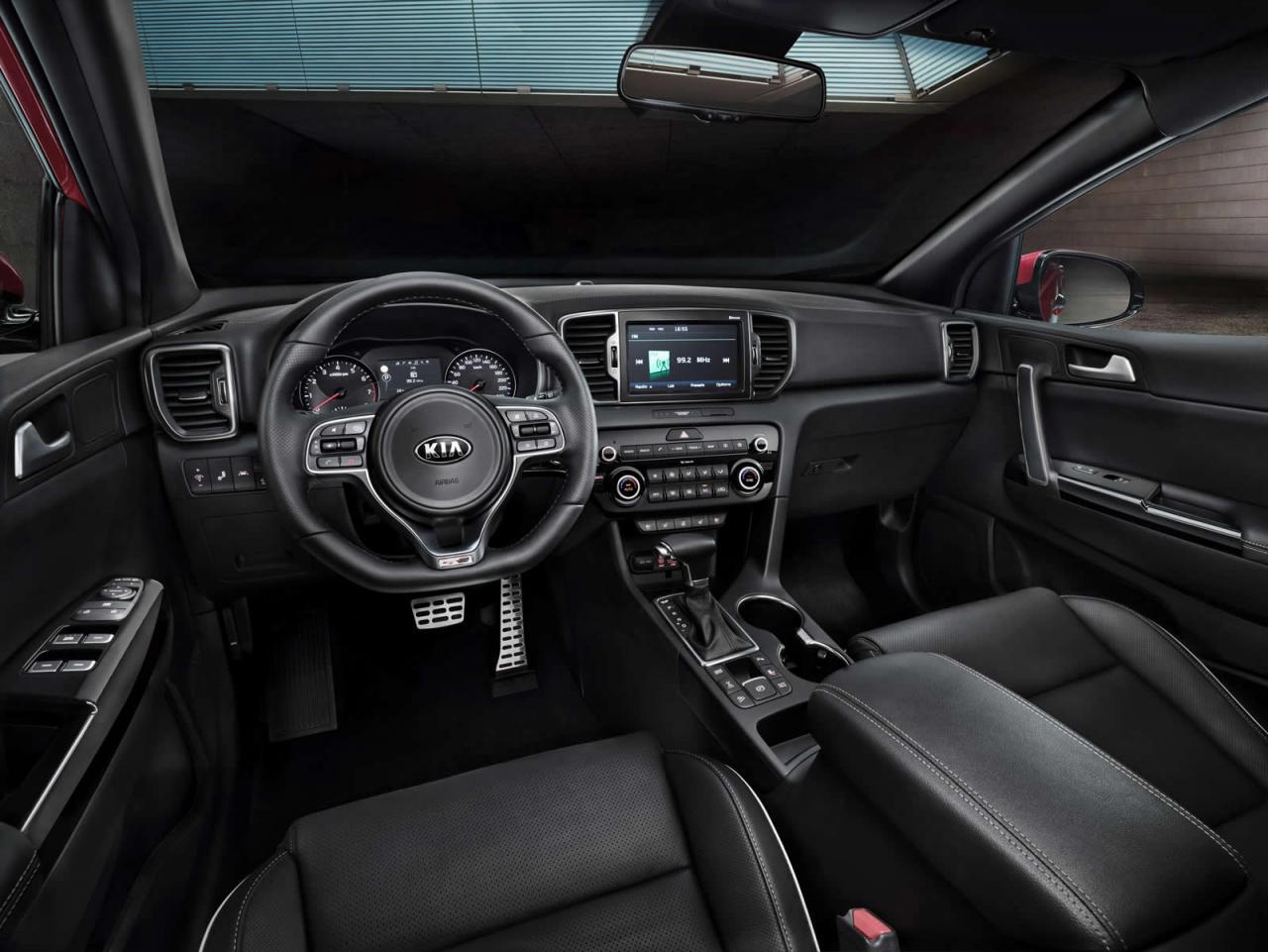 Kia Sportage 2016 интерьер передняя панель