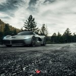 Ferrari LaFerrari на тюнинг-колесах Vossen