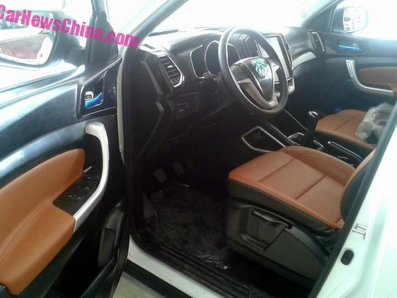 Changan CX70 (клон Ford Explorer)