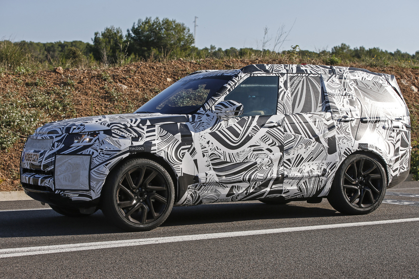 Land Rover Discovery 2017 шпионское фото