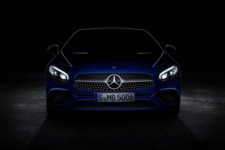 Mercedes-Benz SL - тизер рестайлинговой модели