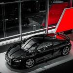Audi R8 V10 Plus 2015 в цвете Mythos Black