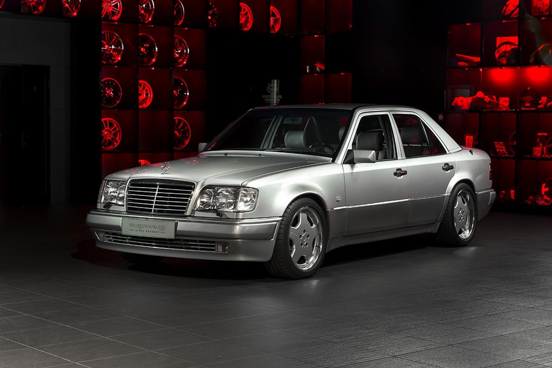 Mercedes-Benz E60 AMG 1993 восстановленный Overdrive