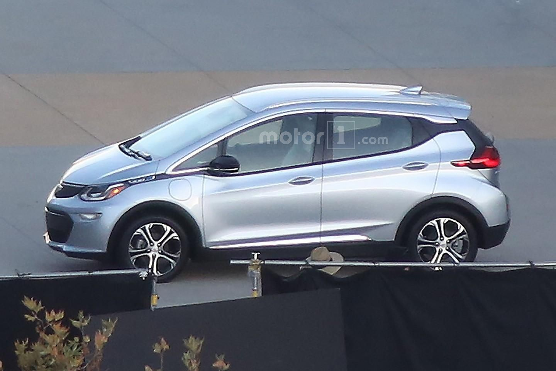 Chevrolet Bolt 2017 шпионское фото