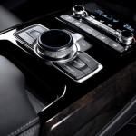 Genesis G90 официальное фото интерьера - центральная консоль