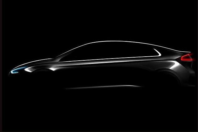 Hyundai показал конкурента Toyota Prius