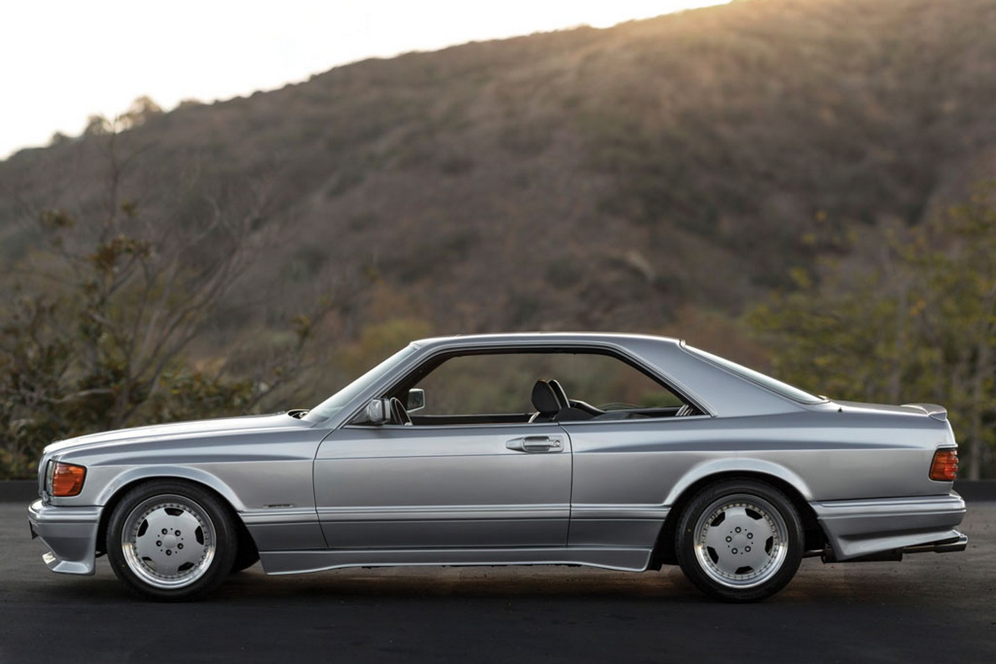 Mercedes 560 SEC 6.0 AMG Wide Body 1989 года