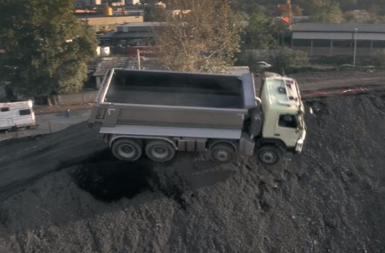 Volvo FMX - грузовик под управлением 4-летнего ребенка