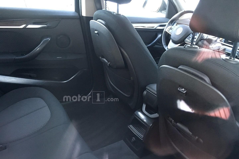 BMW X1 длиннобазная версия шпионское фото интерьера