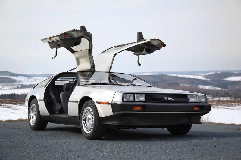 """DeLorean DMC-12 из """"Назад в будущее"""""""
