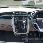 Mahindra KUV100 dashboard/панель приборов и руль