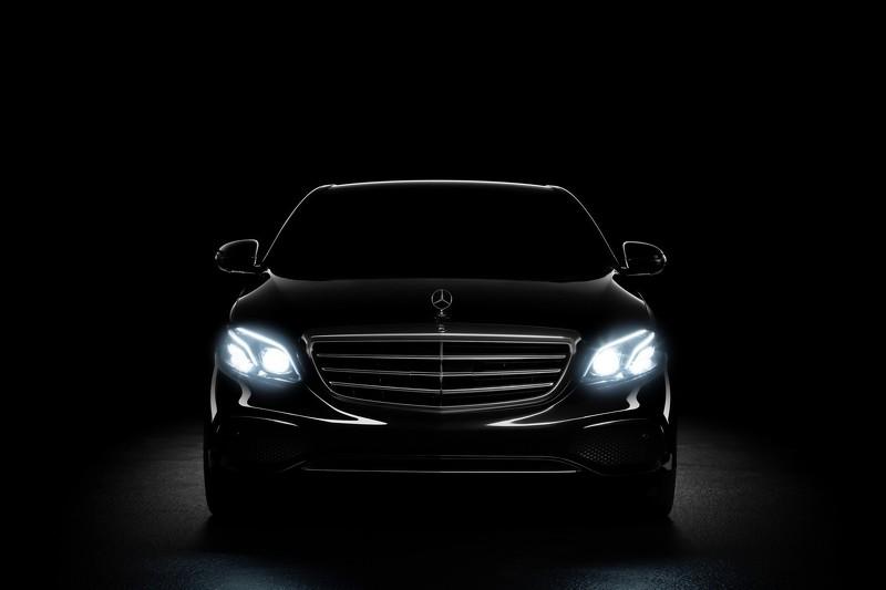 Mercedes E-Class 2016 - тизер-изоюражение передней части