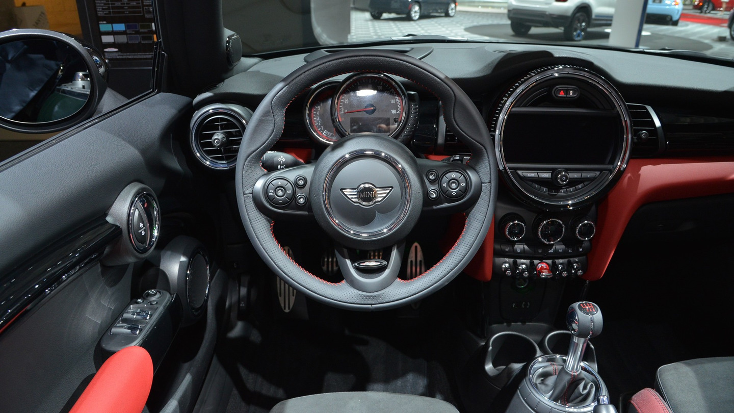 mini john cooper works convertible. Black Bedroom Furniture Sets. Home Design Ideas