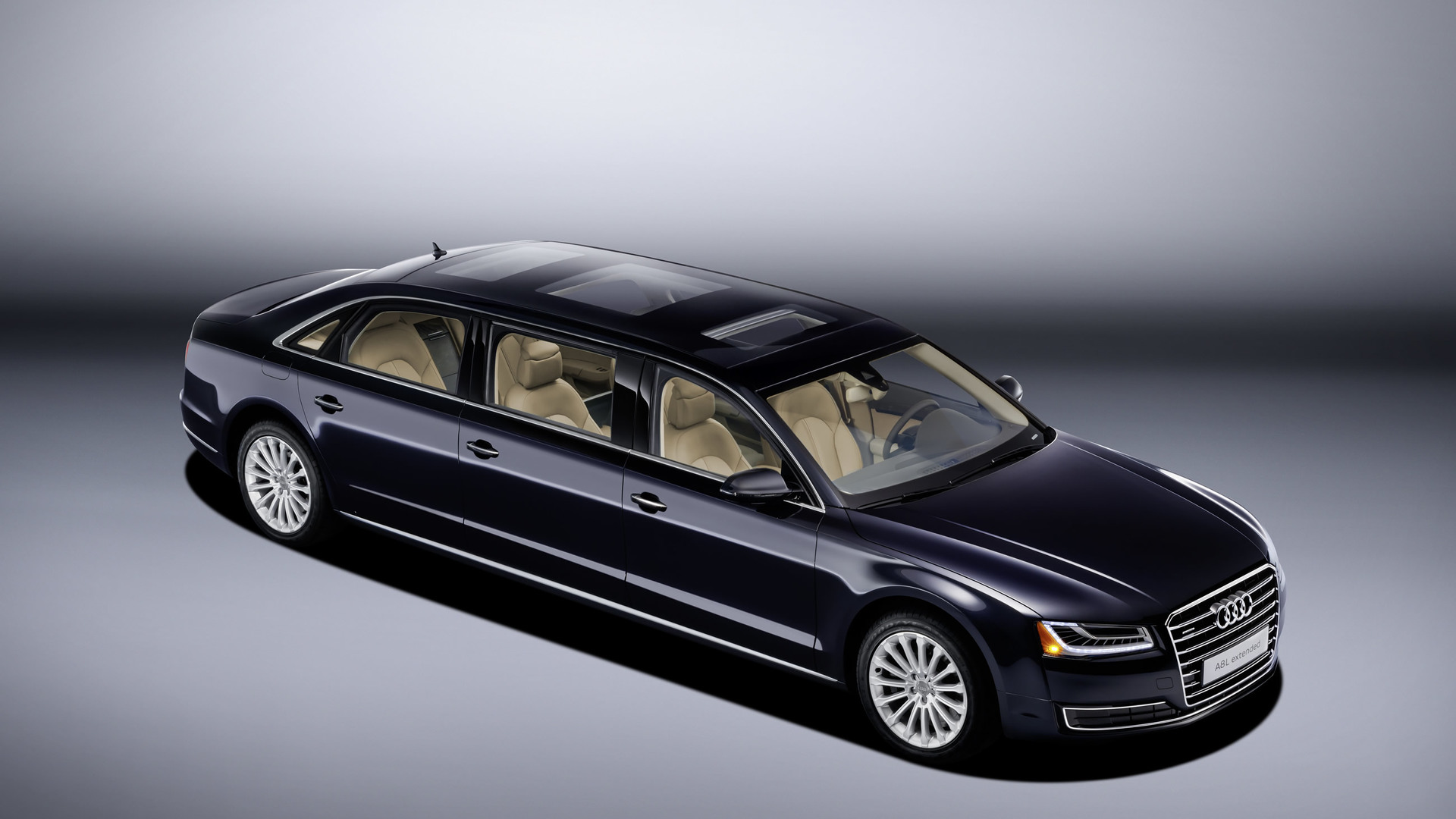 Audi A8 6-дверный лимузин
