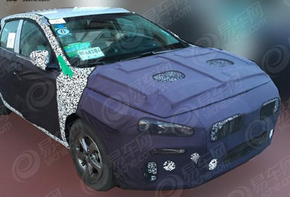 Hyundai Elantra хэтчбек шпионское фото