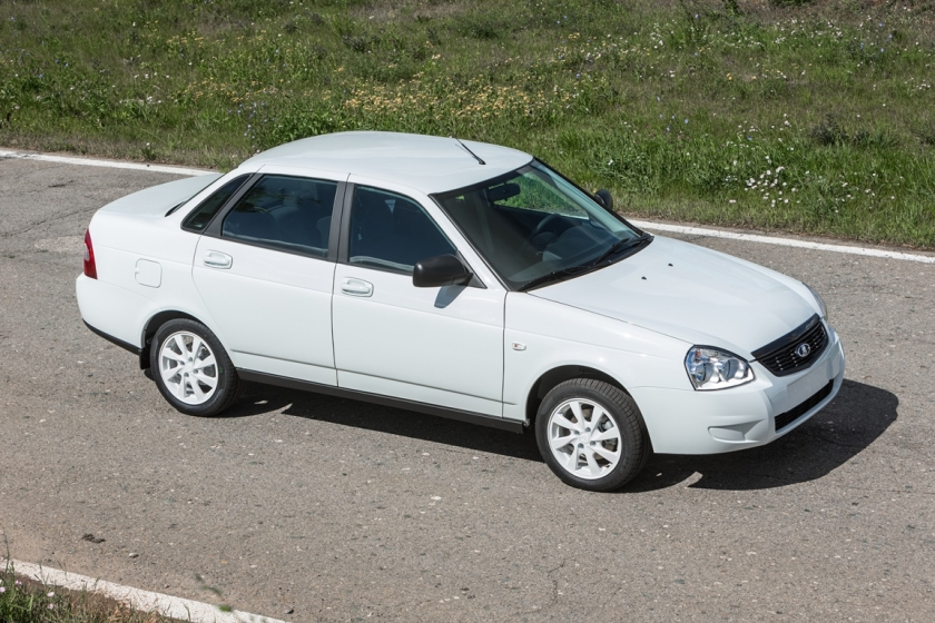 lada priora white edition