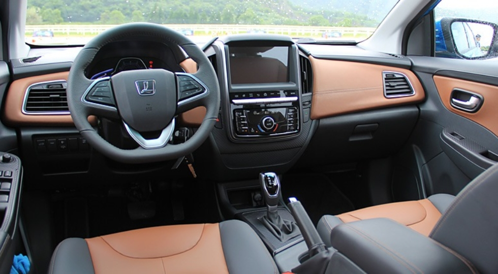 Осенью начинаются продажи седана Luxgen 3