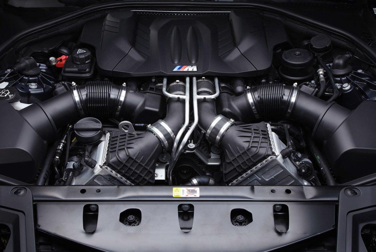 BMW M5 двигатель V8