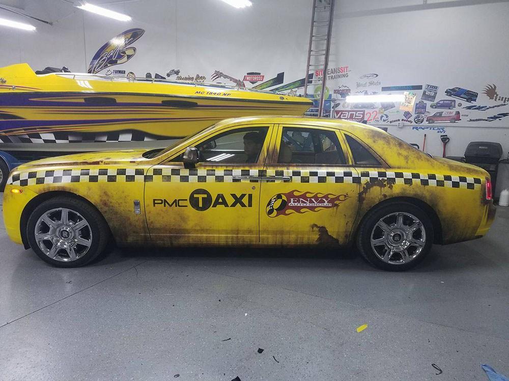 rolls-royce-crazy-taxi-wrap-1