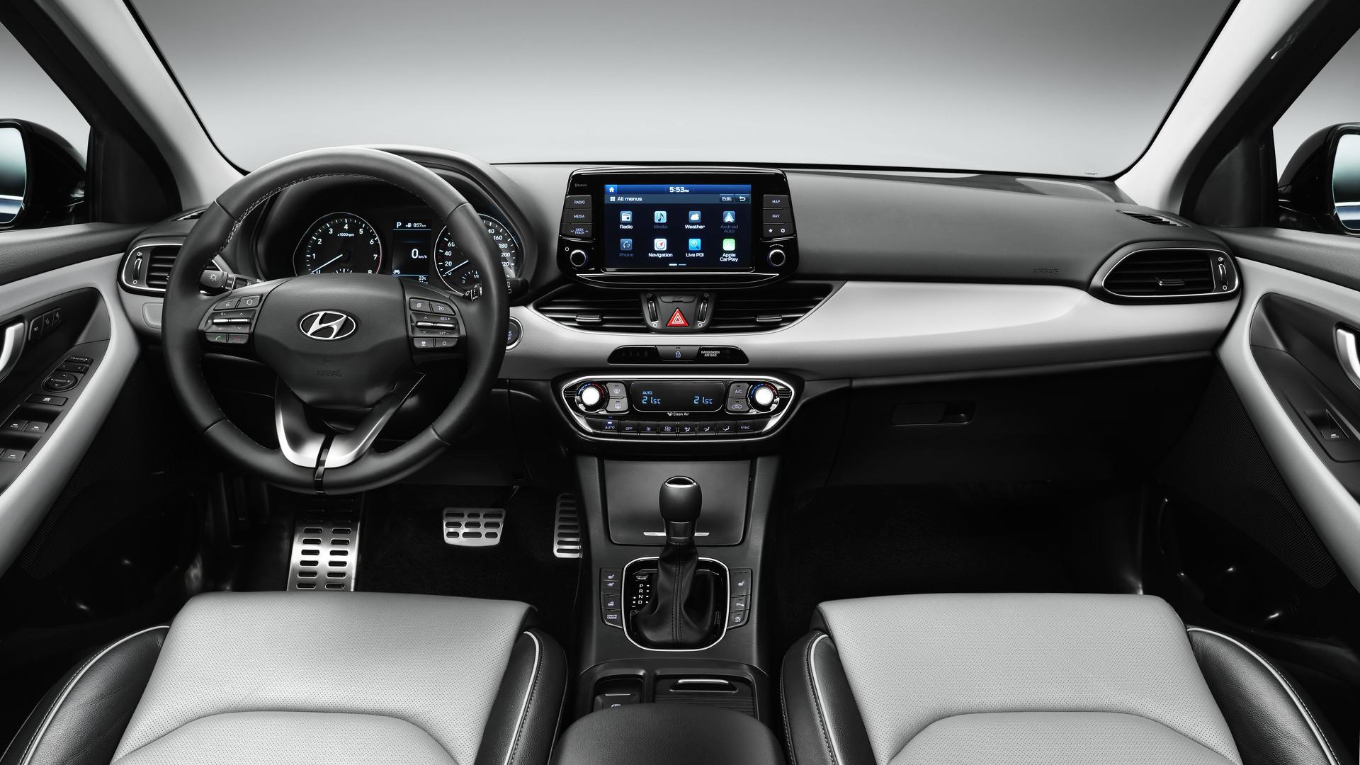 Hyundai i30 официальное фото интерьера