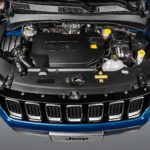 Jeep Compass 2017 фото двигателя - подкапотное пространство