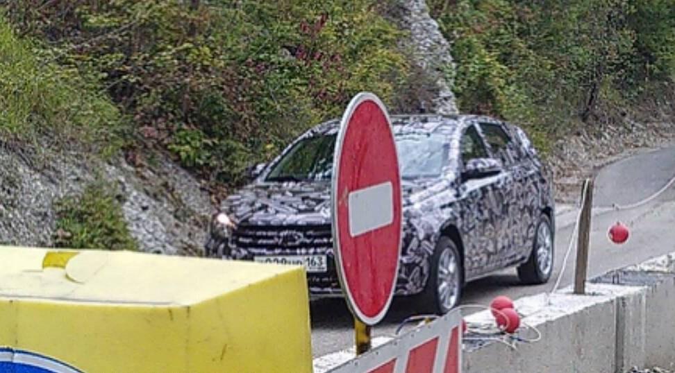 Lada Vesta SW фото испытаний универсала