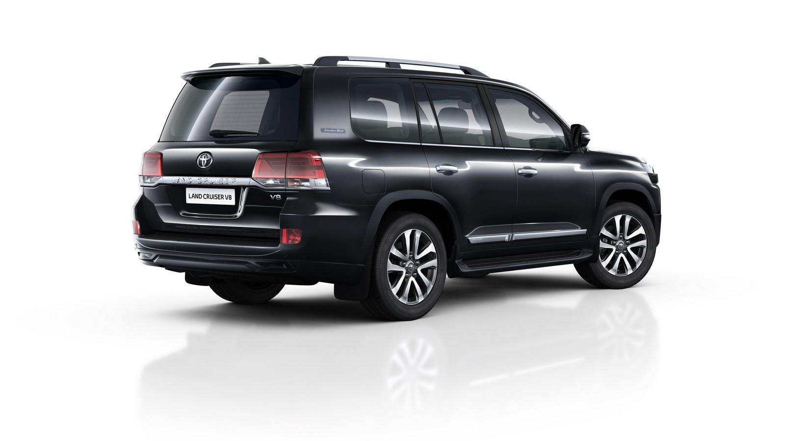 Toyota Land Cruiser 200 Executive Black